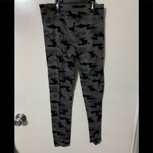 Justice Bottoms - Girls camo leggings